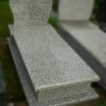 Nagrobek granitowy - Różowy Srebrzysty